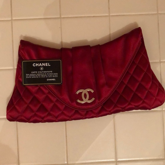 CHANEL Handbags - Chanel clutch